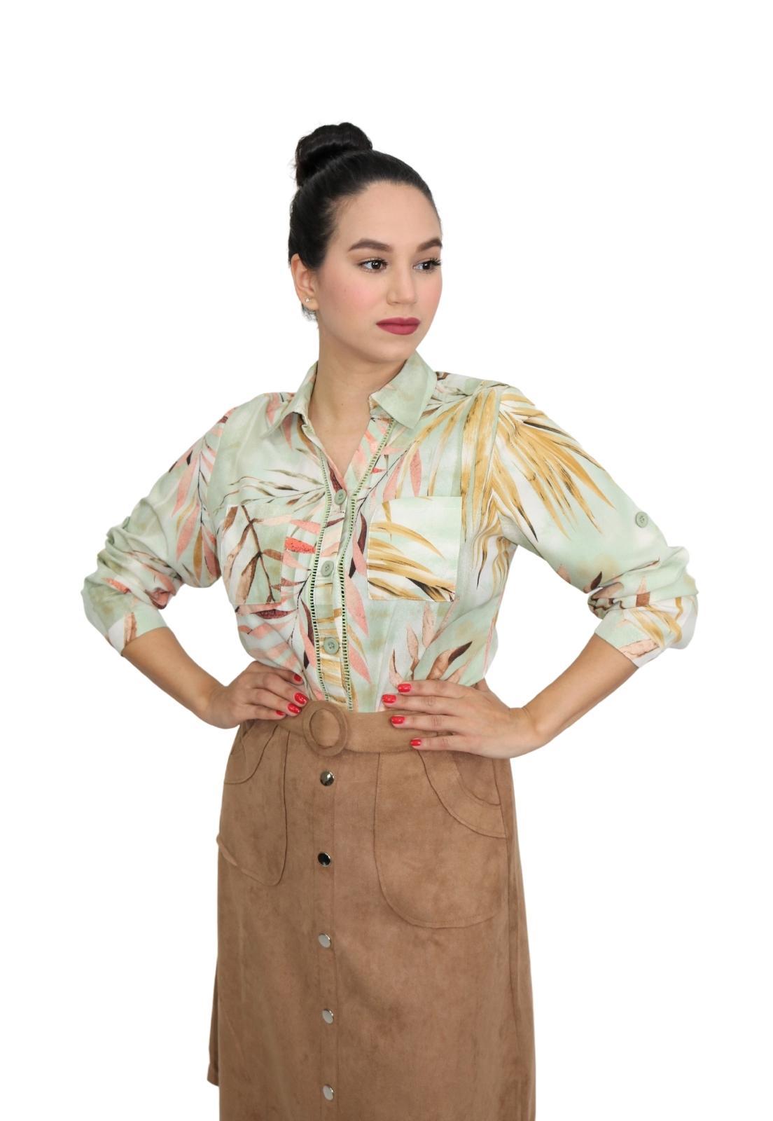 Camisa Feminina Manga Longa Estampa Folhas