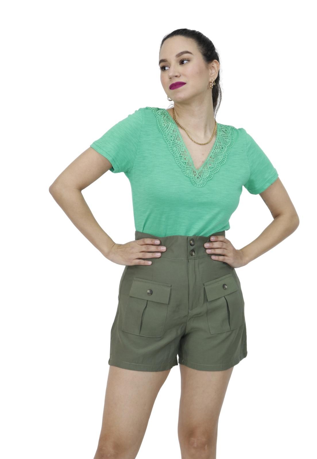 Camiseta Feminina Básica Decote V Com Renda