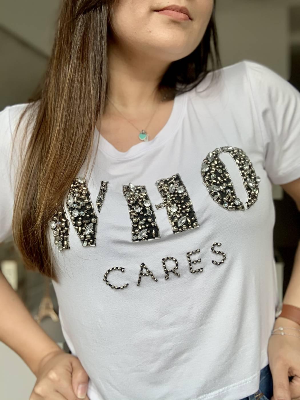 Blusa Cropped Who Cares Villon