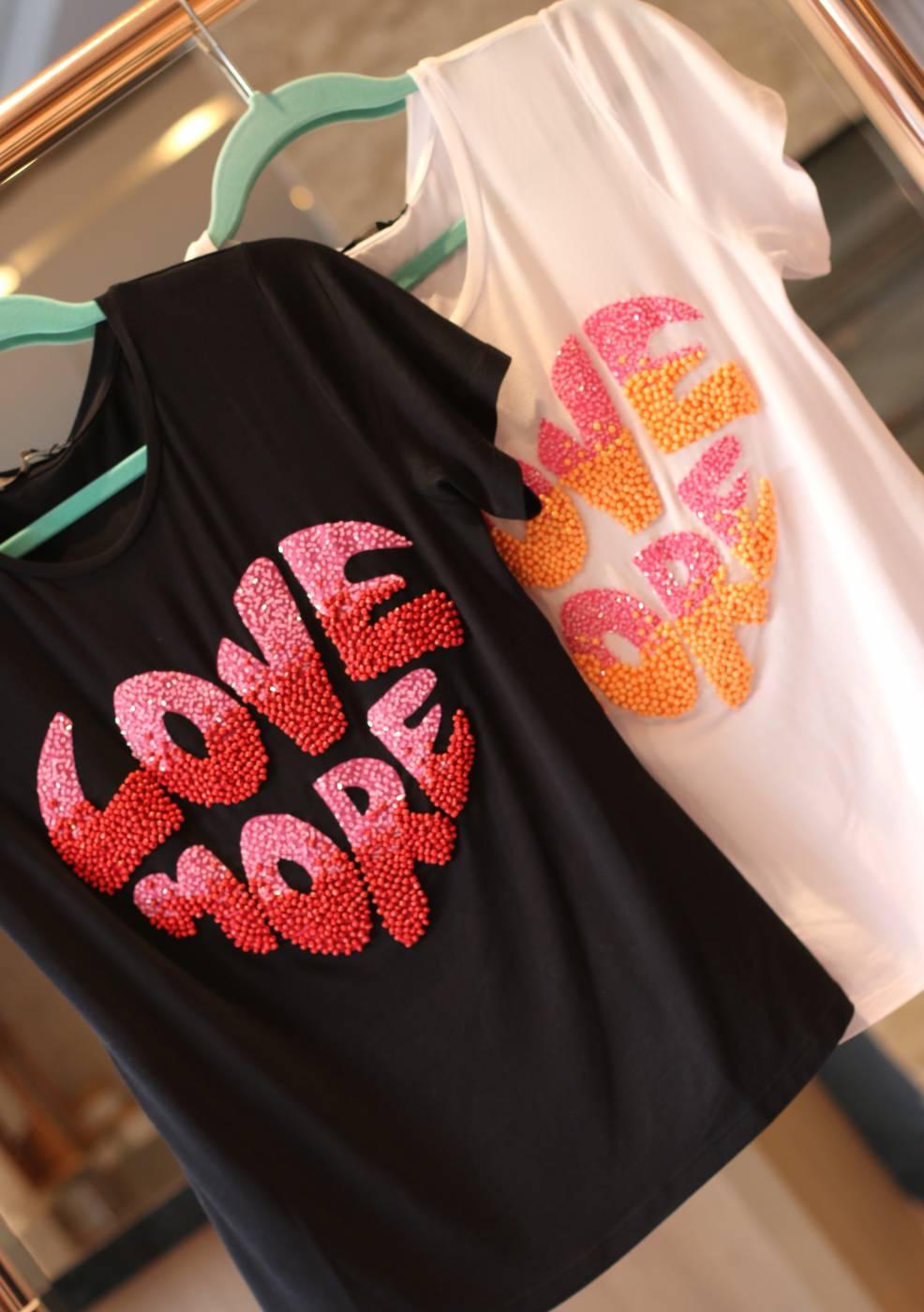 Blusa Love More Villon