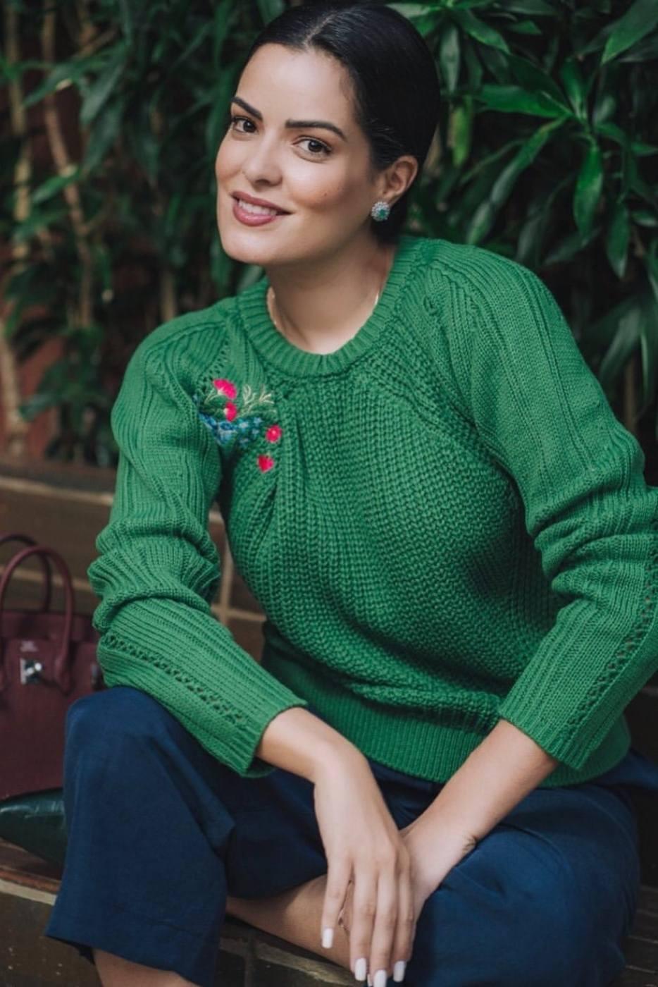Blusa Tricot Bordado Verde