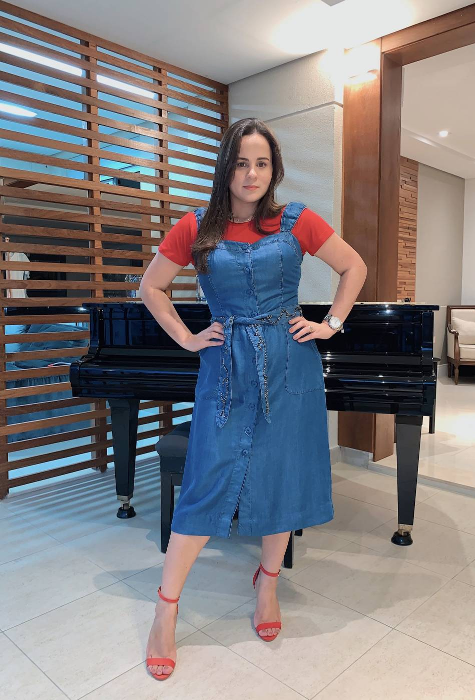 Vestido Jeans Midi com Faixa Bordada Villon