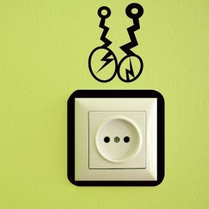 Adesivo de Tomada Ligado na Eletricidade