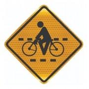 Placa Passagem Sinalizada De Ciclistas Grau Técnico A-30b Grau Técnico Comercial - 50x50cm