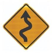 Placa Trânsito Pista Sinuosa À Esquerda A-3a Grau Técnico Comercial - 50x50cm - 50x50cm
