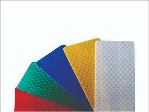 Placa Interseção Em T Adesivo Refletivo A-8 Grau Técnico I - 50x50cm