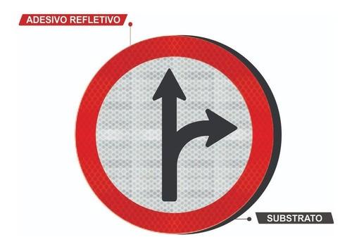 Placa Siga Em Frente Ou À Direita R-25d Grau Técnico Comercial - 50x50cm