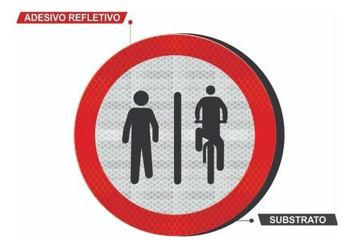 Placa Pedestre À Esquerda, Ciclista À Direita R-36b TI - 50x50cm