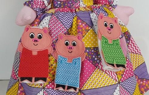 Os Três Porquinhos - Boneca - 5 Em 1