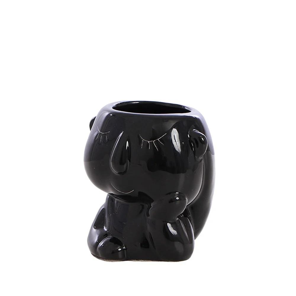 Enfeite Vaso de Cerâmico Formato Menina