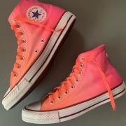 Tênis All Star Cano Alto Degradê Coral+Pink com cadarço colorido + Paz e Amor