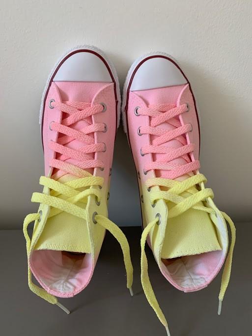 Tênis All Star Cano Alto amarelo+rosa com cadarço colorido