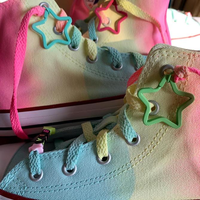 Tênis All Star Cano Alto Degradê Candy Neon com cadarço colorido + Chaveiro de Estrela
