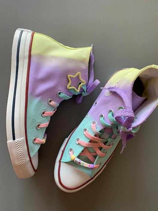 Tênis All Star Cano Alto Unicórnio com cadarço colorido + Chaveiro de Estrela