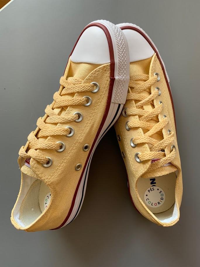 Tênis All Star Cano Baixo Dourado com Cadarço Dourado