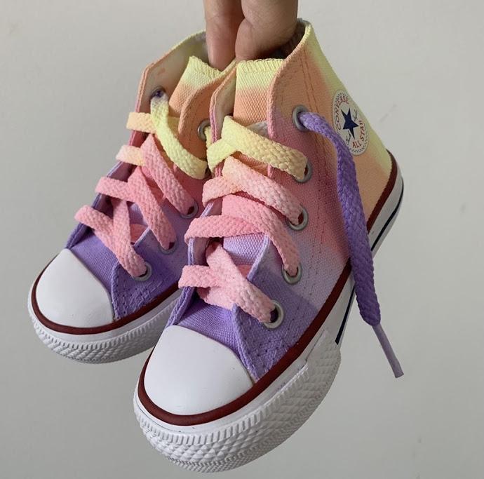 Tênis All Star Infantil Cano Alto Rainbow 1 com cadarço colorido