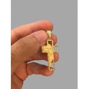 Pingente cruz Com face de Cristo  banhado a ouro 18k