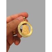 Pingente face de Cristo vazado - detalhes na borda banhado a ouro 18k
