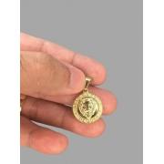 Pingente leão da tribo de Judá banhado a ouro 18k