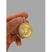 Pingente Santa Ceia - Borda Cravejada de Zircônia - banhado a ouro 18k