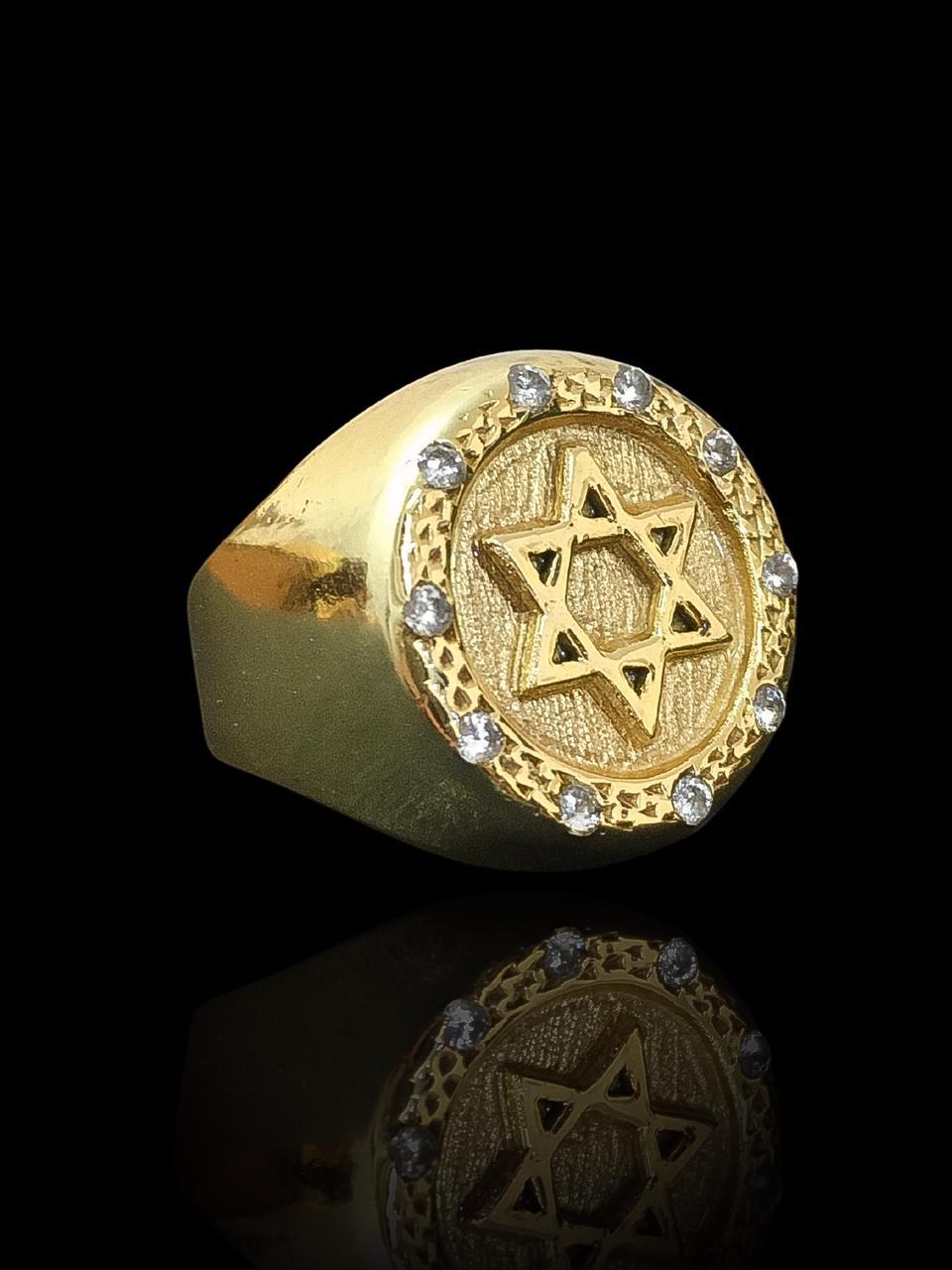 Anel masculino - Redondo com Estrela de Davi - Borda cravejada de Zircônia  - banhado a ouro 18K -  10 g (prazo de 7 dias para a fabricação  )