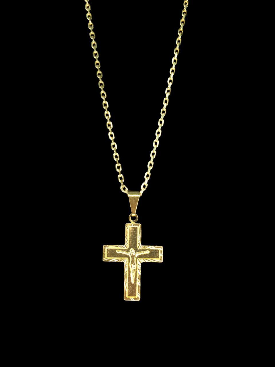 Kit Corrente cartie - 2 milímetros -   70 centímetros  - fecho gaveta   Com Pingente Crucifixo    Banhados a Ouro 18k
