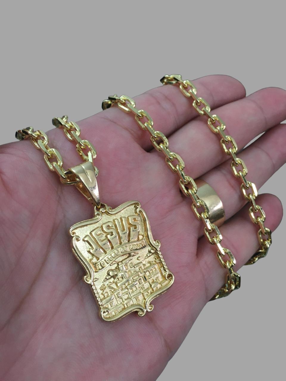 Corrente cartie - 5 mm   -   70 CM  - fecho canhão Com Pingente Jesus é o dono do Lugar -Banhados a Ouro 18k