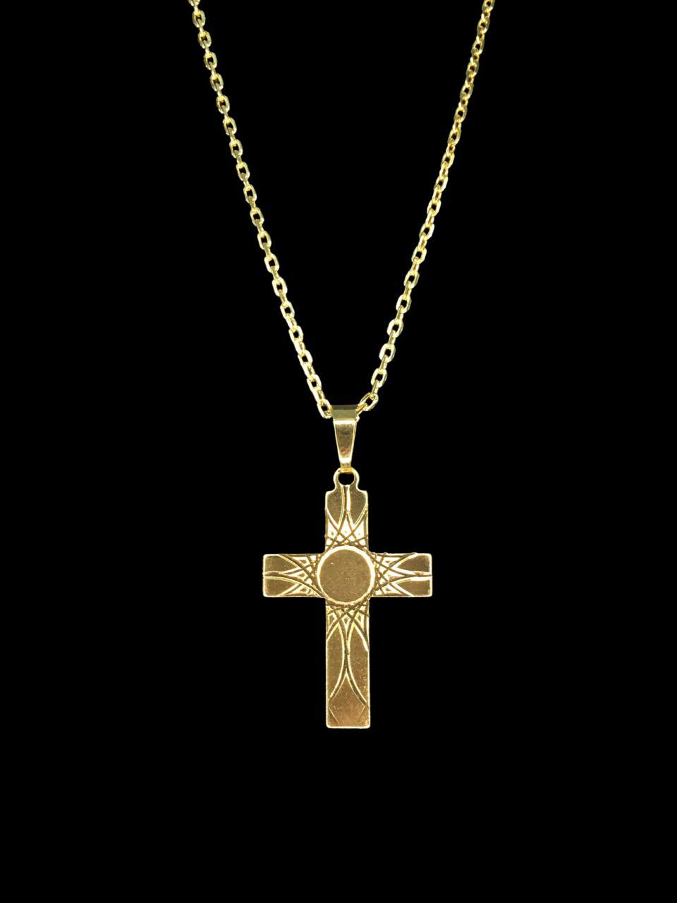 Kit Corrente cartie - 2 milímetros -   70 centímetros  - fecho gaveta   Com Pingente cruz com detalhes  Banhados a Ouro 18k