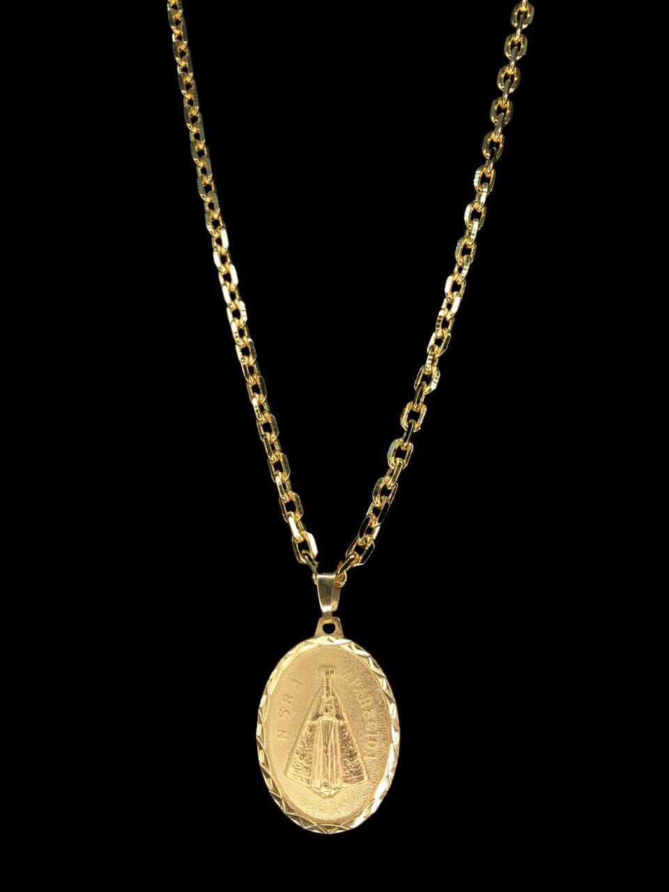 Kit Corrente cartie - 3 milímetros -   70 centímetros  - fecho gaveta   Com Pingente oval Nossa senhora de aparecida Banhados a Ouro 18k