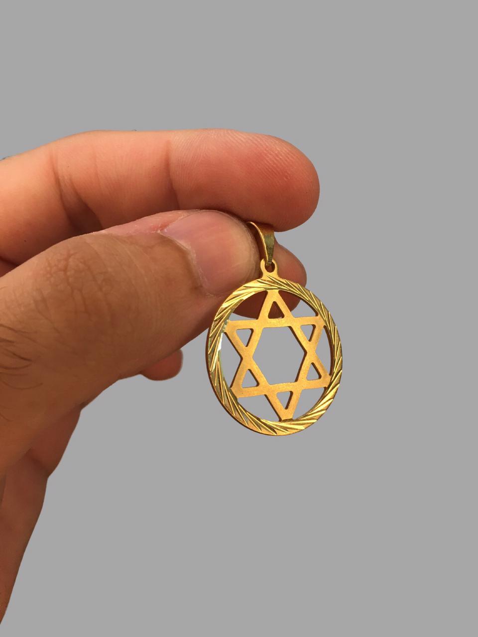 Pingente estrela de Davi vazado - detalhes na borda - banhado a ouro 18k