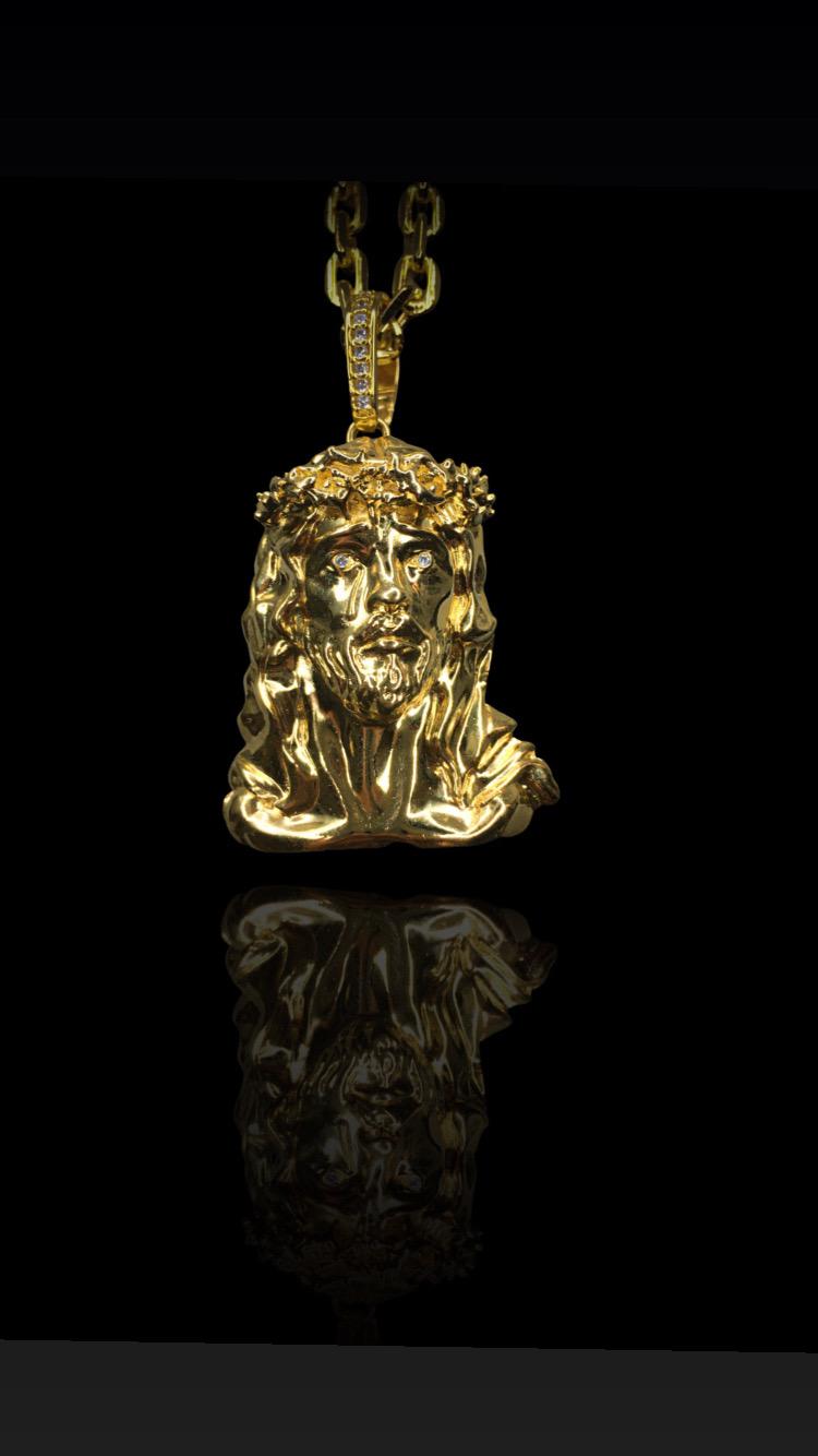 Pingente face de Cristo 3D  - 4 cm-  banhado a ouro 18k