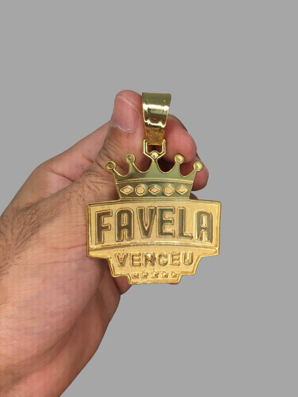 Pingente Favela Venceu  banhado a ouro 18k