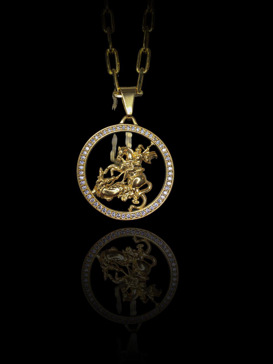 Pingente São Jorge vazado - cravejado de zircônia  banhado a ouro 18k