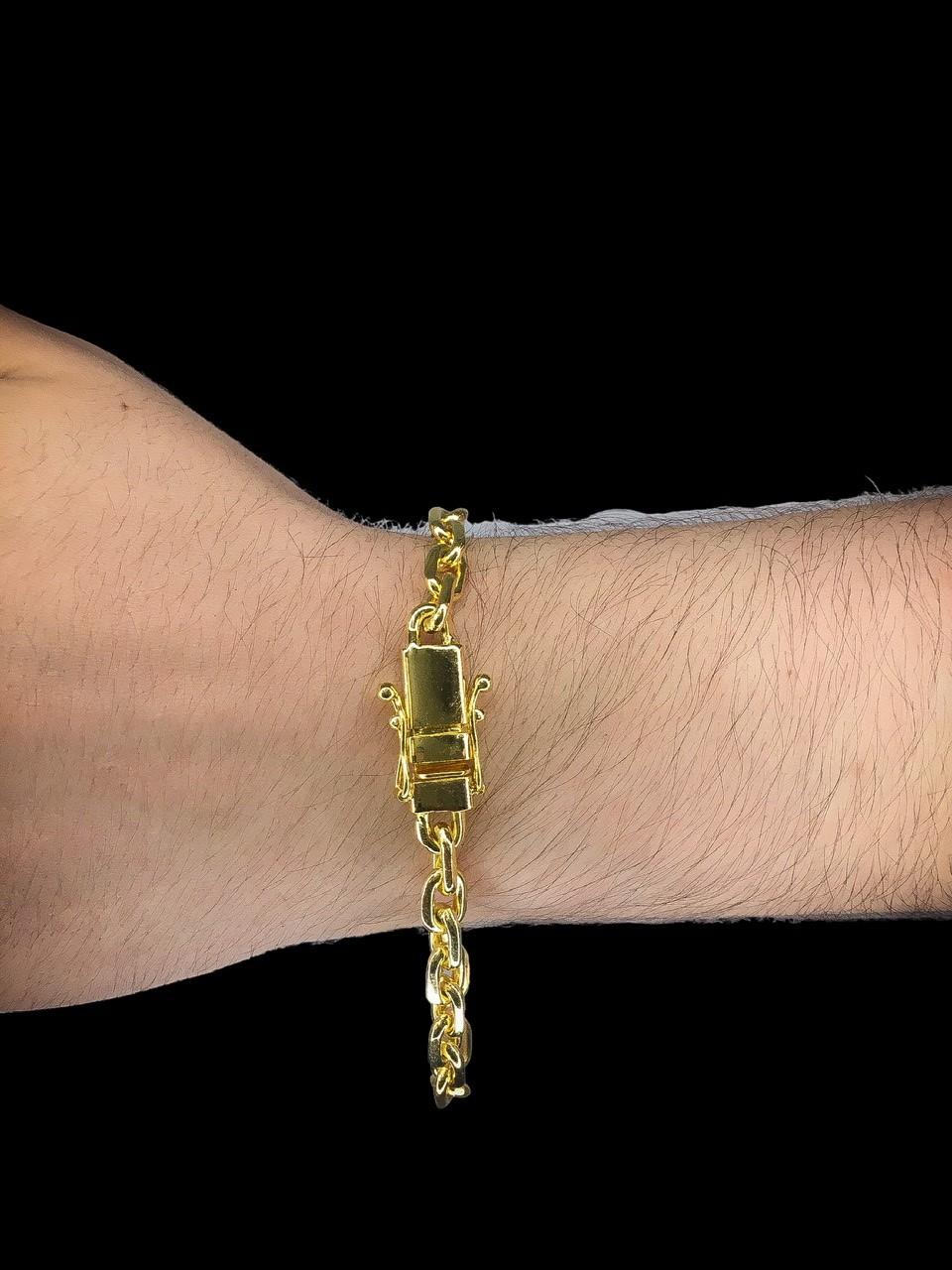 Pulseira Cartie -  7 milímetros achatada  - 22 Centímetros - fecho gaveta trava dupla - Banhado a ouro 18 k