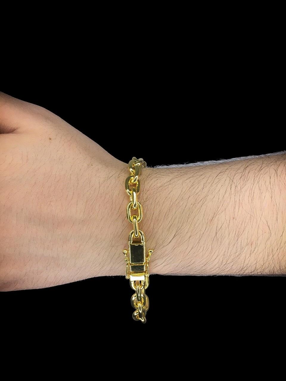 Pulseira Cartie -  8 milímetros achatada  - 22 Centímetros - fecho gaveta trava dupla - Banhado a ouro 18 k