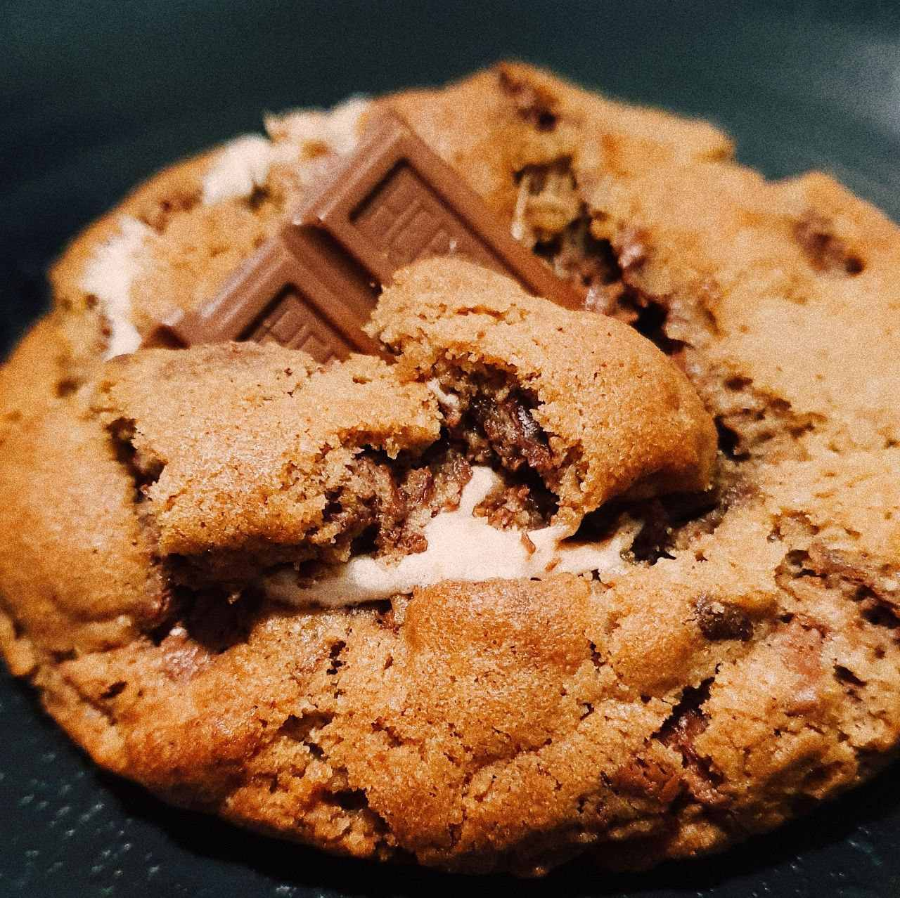Cookie Smores  - Beth Bakery