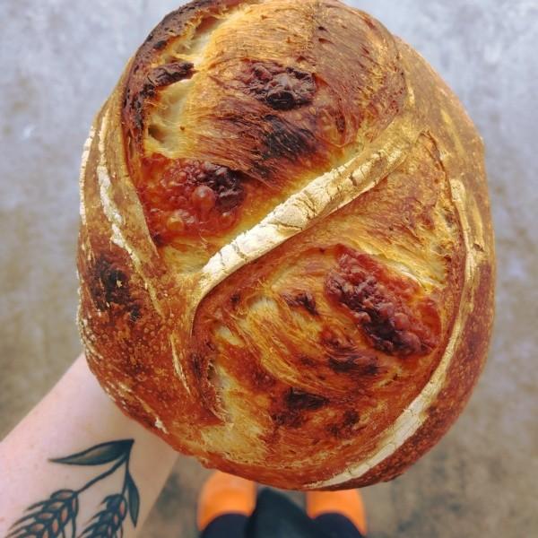Italiano com Queijo Canastra  - Beth Bakery