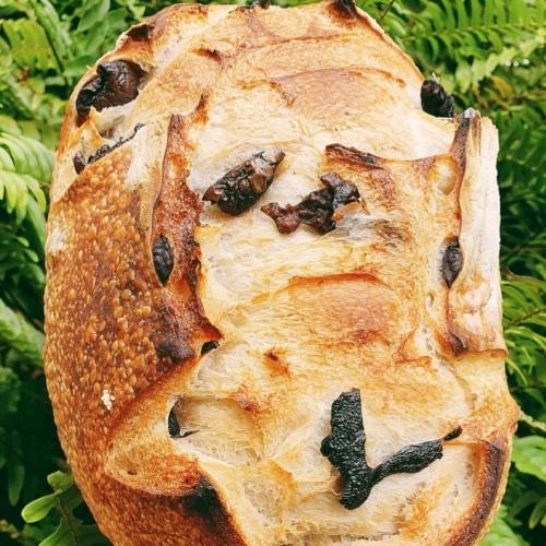 Pão de Azeitonas  - Beth Bakery