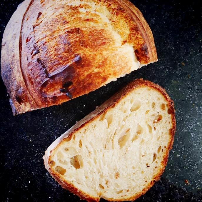 Pão de Cebola Caramelizada  - Beth Bakery