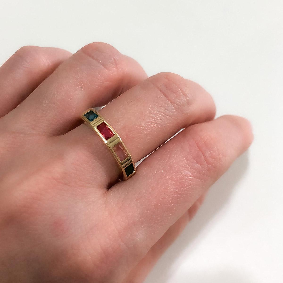 Anel Banhado a Ouro 18K Pedras Coloridas Retangular