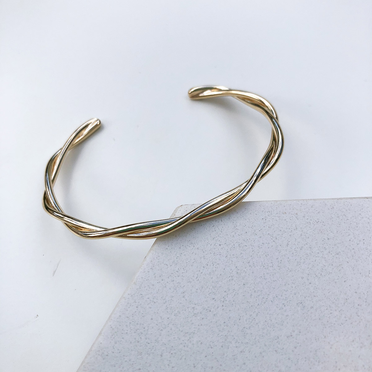 Bracelete Banhado a Ouro 18k Torcido
