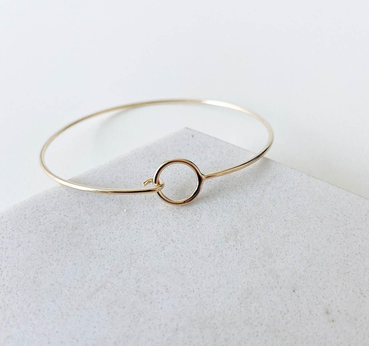 Bracelete Francoise Banhado a Ouro 18k Círculo Vazado