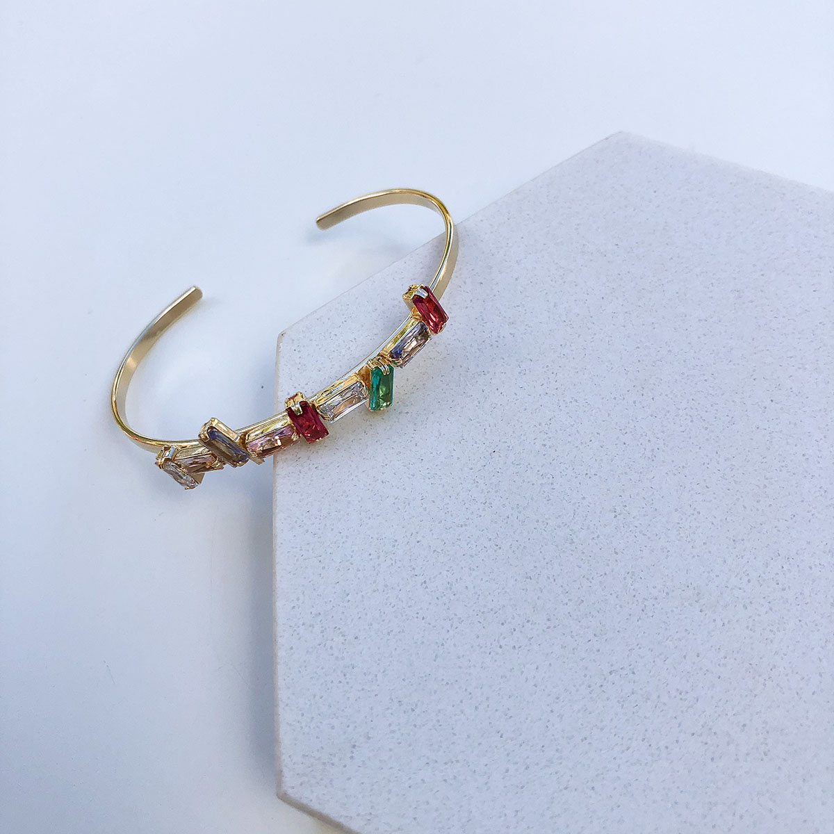 Bracelete Rígido Banhado a Ouro 18k Cristais Coloridos