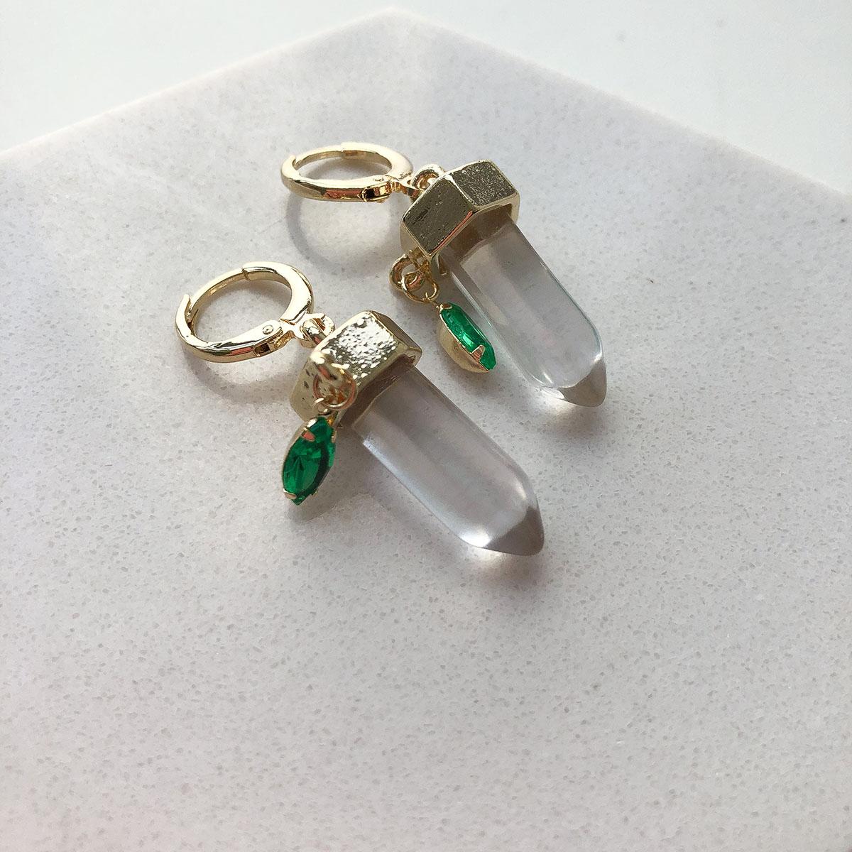 Brinco de Bijuteria Argola com Pingente Ponta de Cristal e Pedra Verde