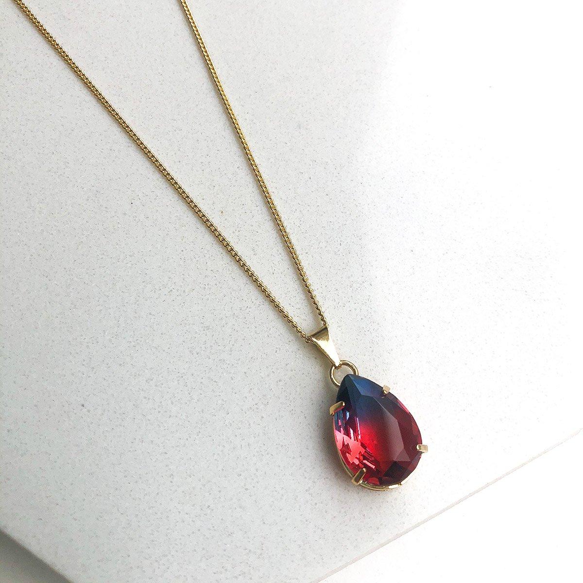 Colar Banhado a Ouro 18k com Pingente Pedra Rainbow Vermelho e Azul