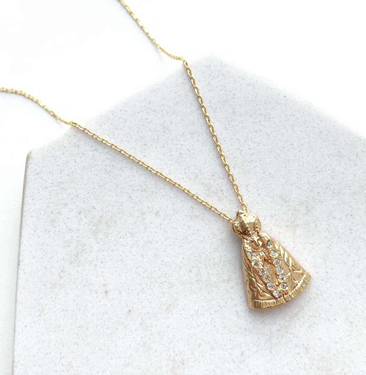 Colar Banhado a Ouro 18k Nossa Senhora Aparecida Detalhes Zircônias