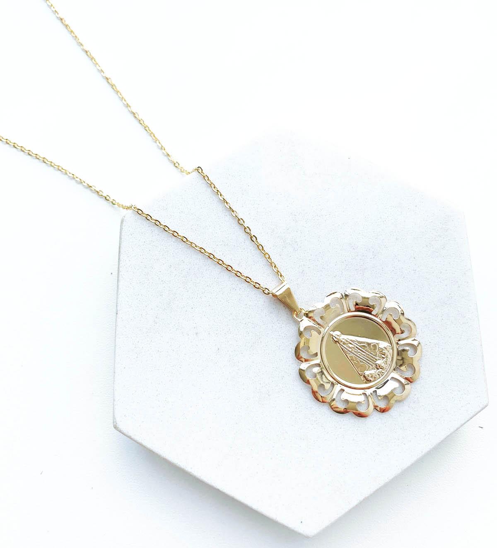Colar Banhado a Ouro 18k Nossa Senhora Aparecida Mandala Detalhes