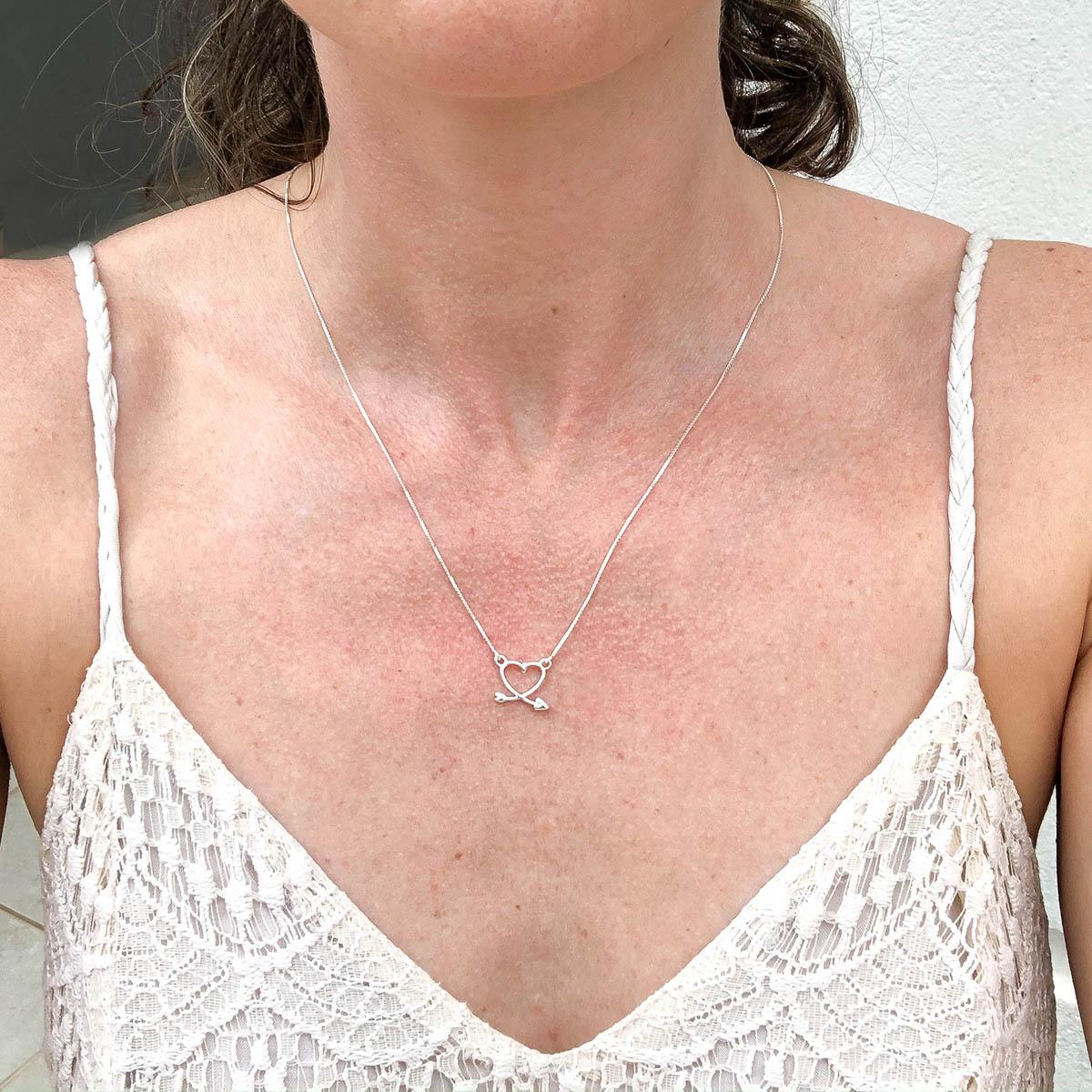 Colar de Prata 925 Flecha Formato Coração
