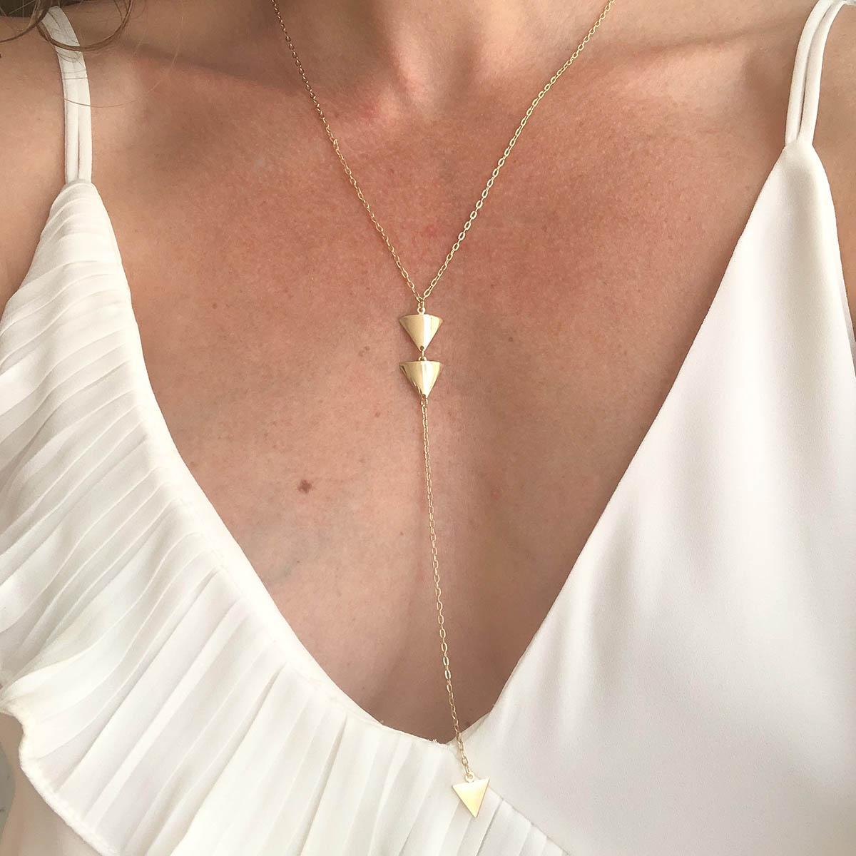 Colar Katia Gravatinha Banhado a Ouro 18k Pêndulo Triângulo Duplo