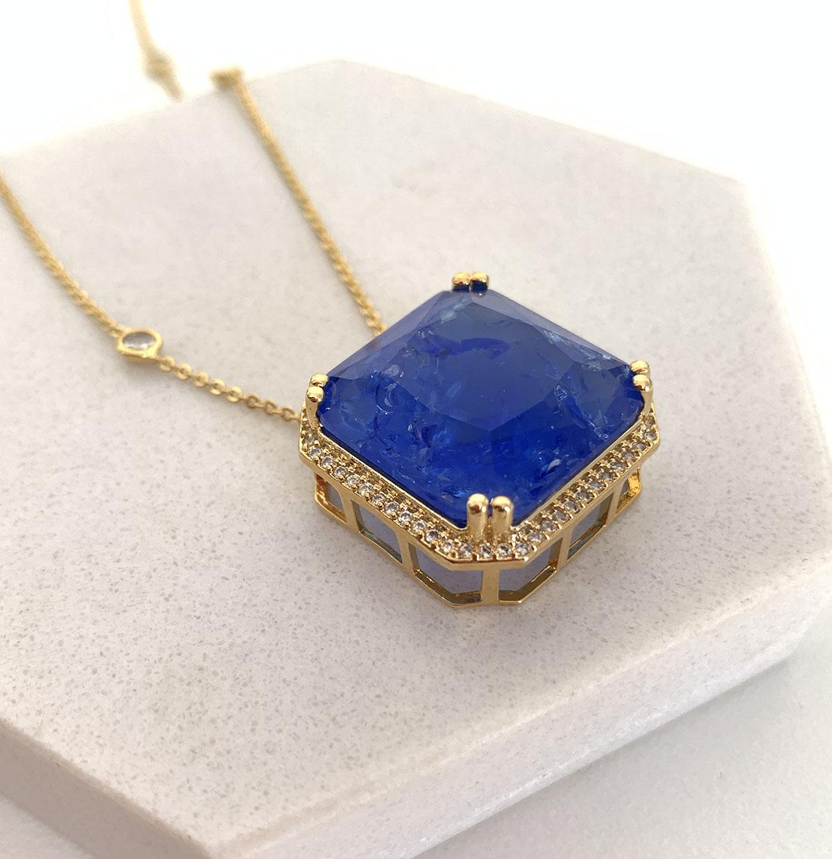 Colar Longo Banhado a Ouro 18k Pingente Quadrado Pedra Azul Bic